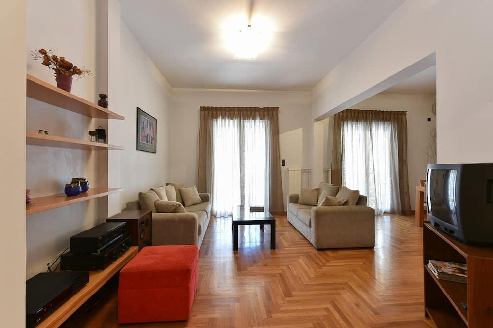 Condominio, 2 habitaciones, cocina - Sala de estar