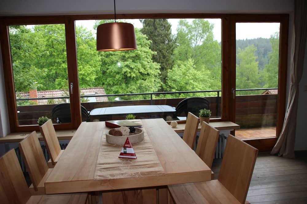 Lägenhet Design (Upper Floor) - Matservice på rummet