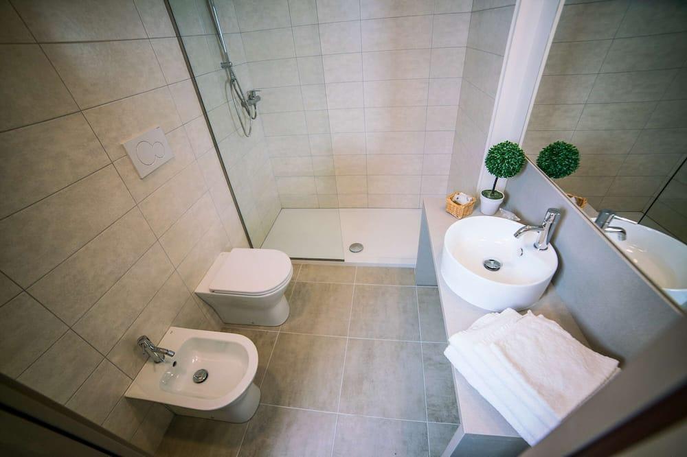 Superior Triple Room, Lake View - Bilik mandi