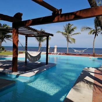 Picture of Casa del Puerto By MIJ - Beachfront Hotel in Puerto Morelos
