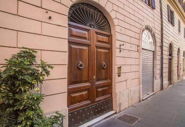 Mrs Julie Guesthouse, Rome, Voorkant hotel