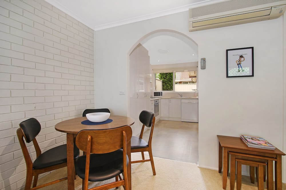 House, 2 Bedrooms - In-Room Dining