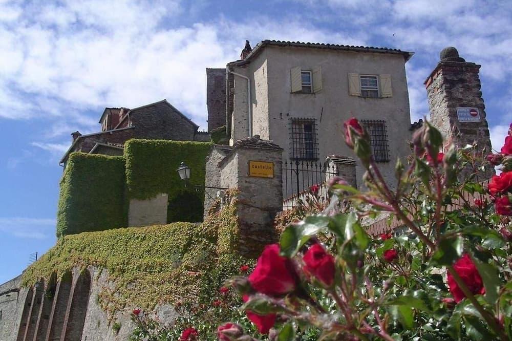 Agriturismo All'Ombra del Castello