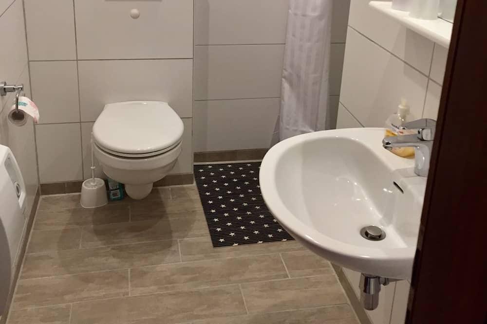 Departamento estándar, Varias camas - Baño