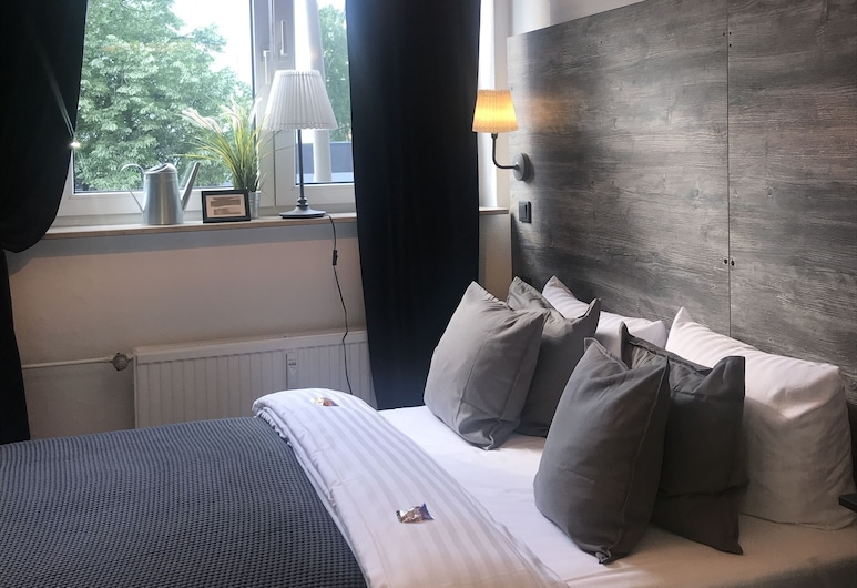 Hamburg Apart, Hamburg, Doppelzimmer, 1 Queen-Bett, Gemeinschaftsbad, Zimmer