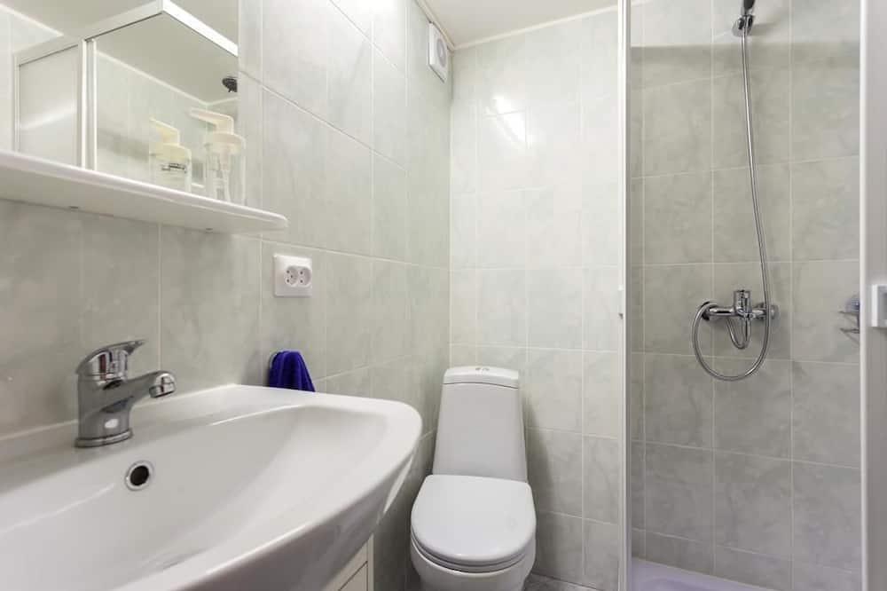 Семейный номер, 1 двуспальная кровать с диваном-кроватью - Ванная комната