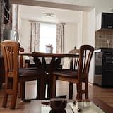 Deluxe Apartment, 1 Bedroom, Kitchenette - Living Area