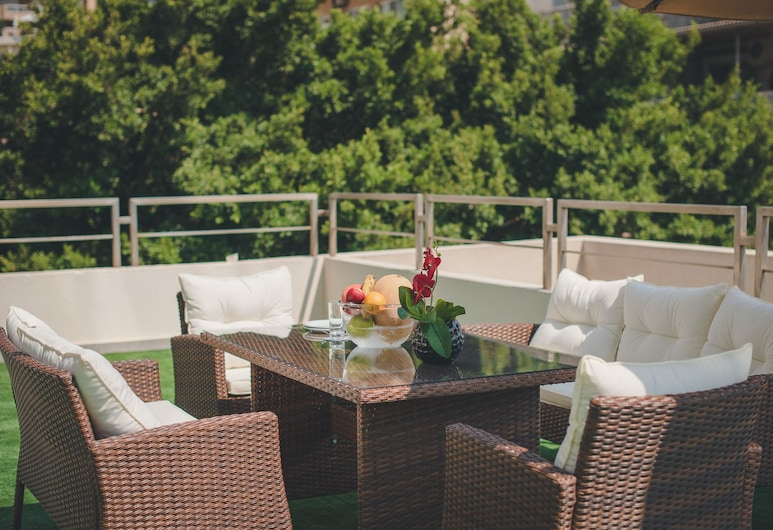 Louis V Hotel Beirut, Dbayeh, Executive-Suite, 1 Schlafzimmer, Stadtblick, Terrasse/Patio