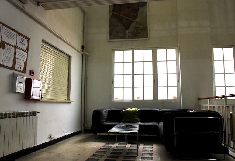 Hostal Intercentro, Granada, Sala de estar en el lobby