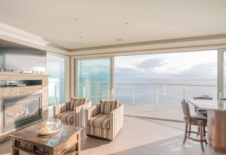 SookePoint Ocean Cottage Resort, Sooke, סוויטה, 2 חדרי שינה, נוף לאוקינוס, סלון