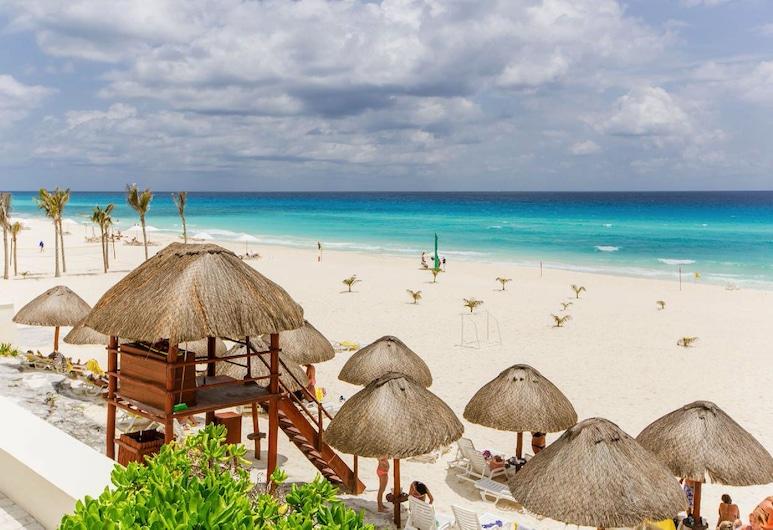 Condo in Ocean Front Hotel resort, Cancún, Spiaggia