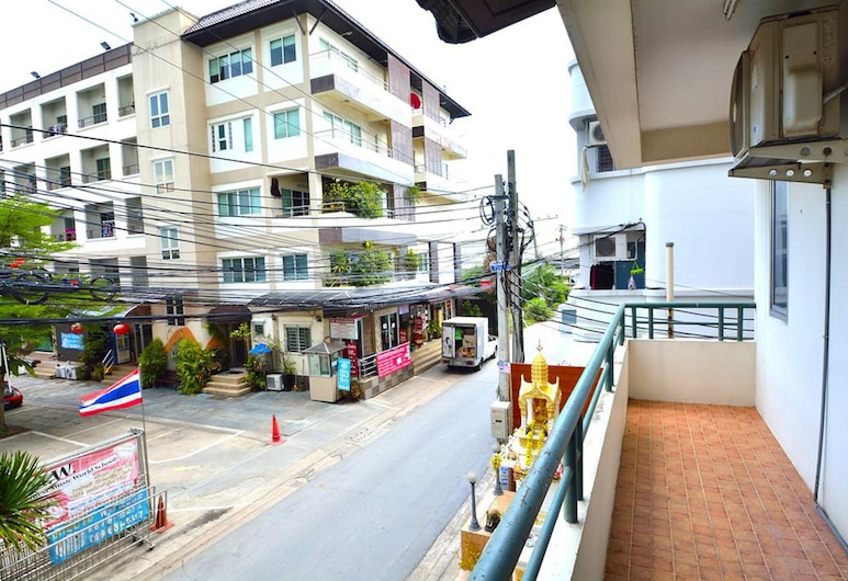Modern Place, Bangkok, Izba typu Deluxe, Balkón