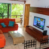 Deluxe Penthouse, 3 Bedrooms, Balcony - Living Area