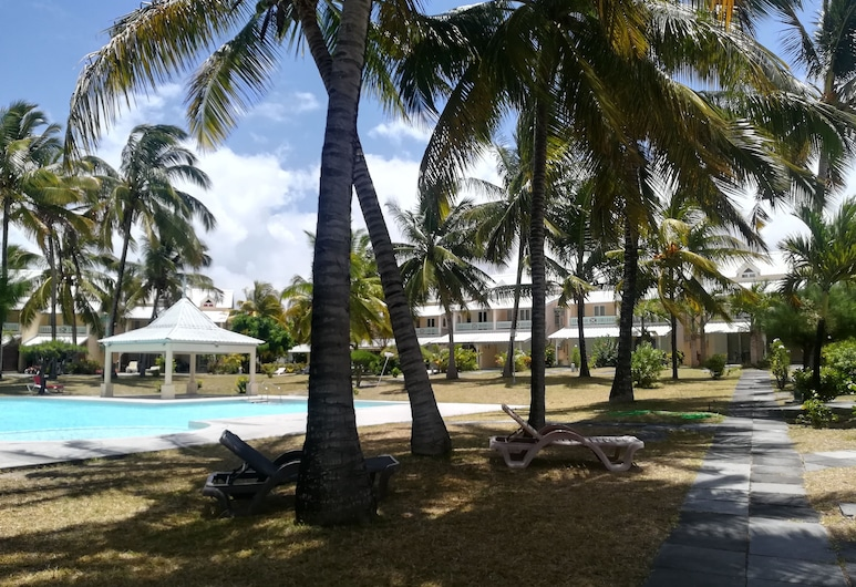 Residence Thalassa, Belle Mare, Property Grounds