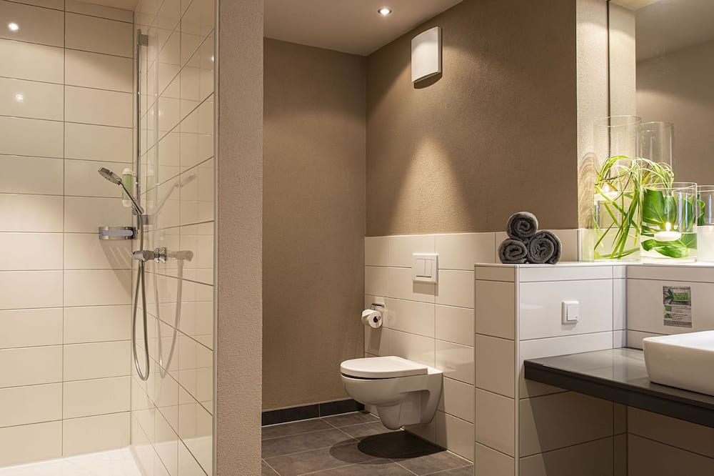Comfort Double Room Single Use, Accessible, Non Smoking - Bathroom