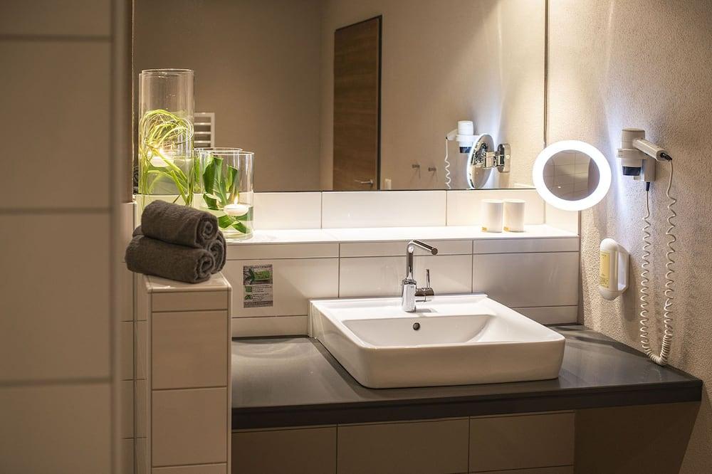 Comfort Double Room, Accessible, Non Smoking - Bathroom