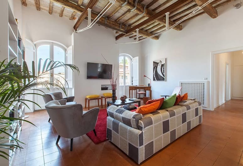 Trastevere Charming Penthouse, Rome, Apartment (3 Bedrooms), Living Area