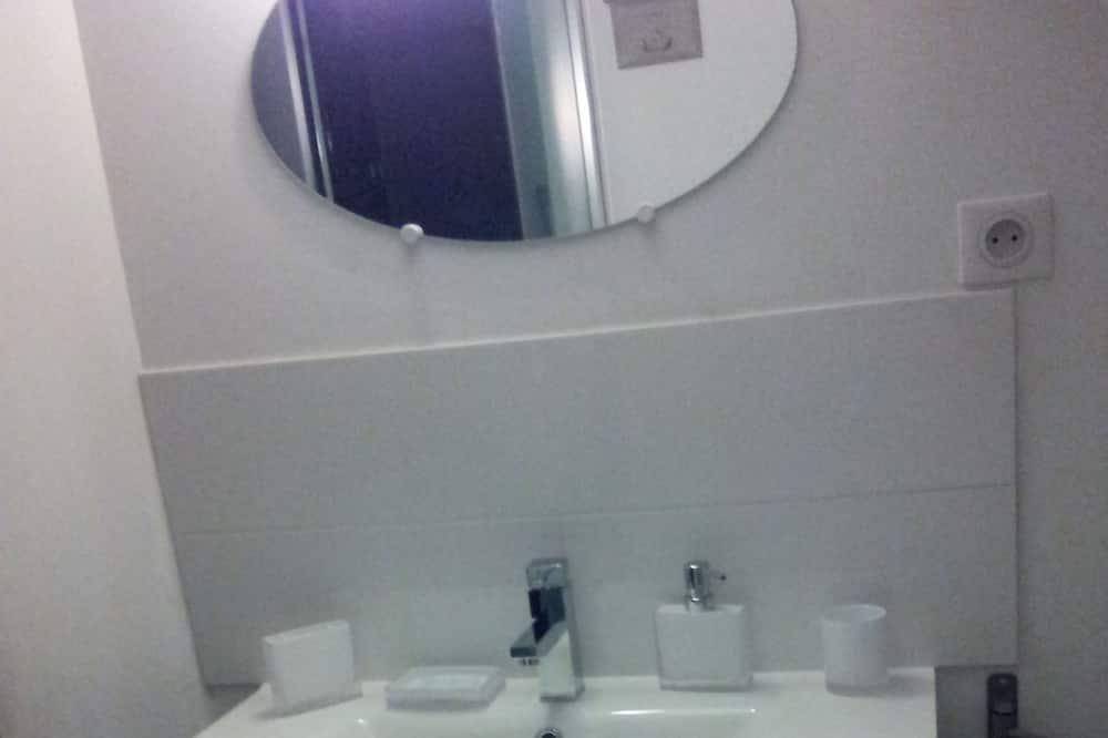 Comfort tweepersoonskamer - Wastafel