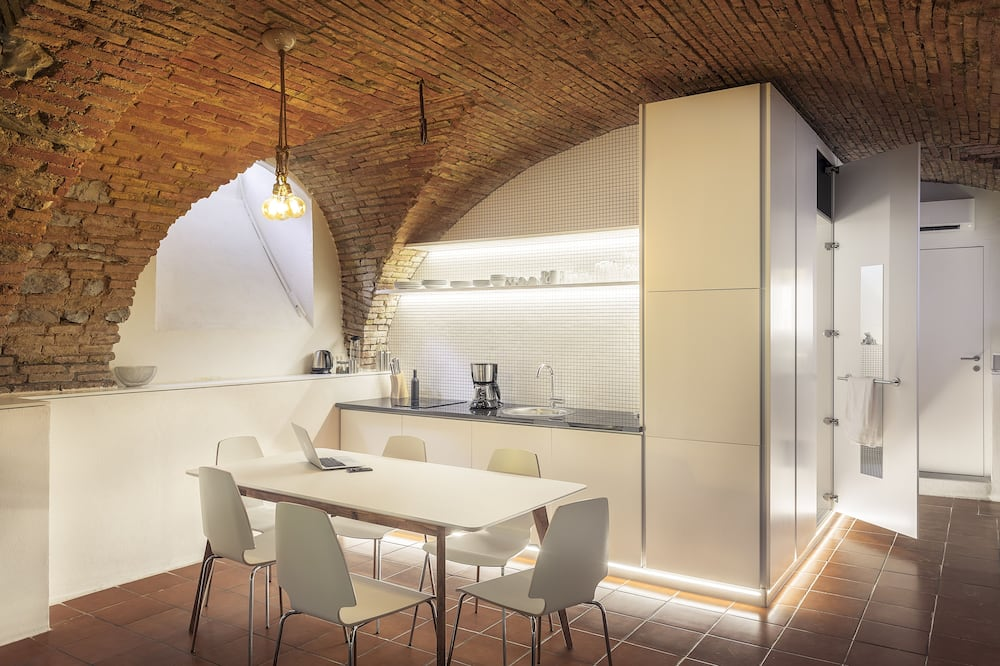 Dungeon Apartment  - In-Room Dining