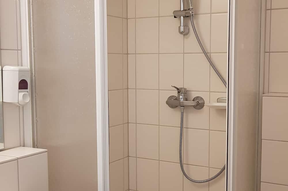 Basic-værelse med dobbeltseng eller 2 enkeltsenge - ikke-ryger - Badeværelse