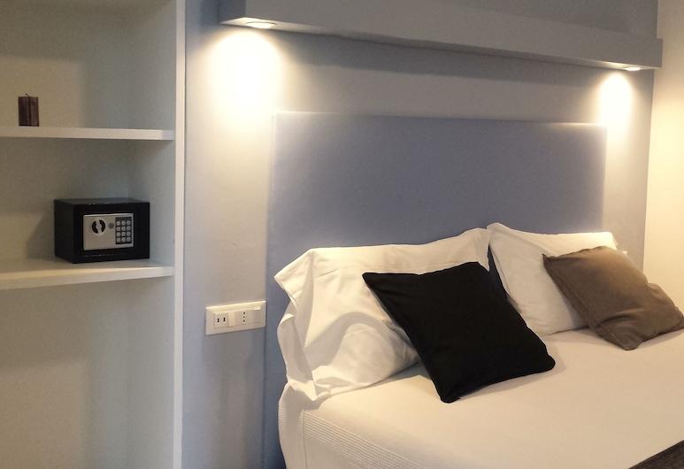5 Terre Wave, La Spezia, Deluxe Double Room, Balcony, Guest Room