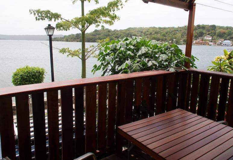 Hostel Yaxha, Flores, Lakeside Apartment , Parveke
