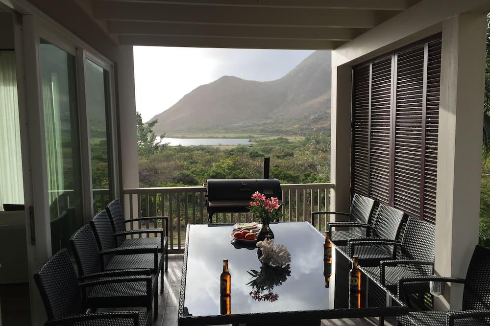 Family Villa, 2 Yatak Odası, 2 Banyolu, Okyanus Manzaralı - Odada Yemek Servisi