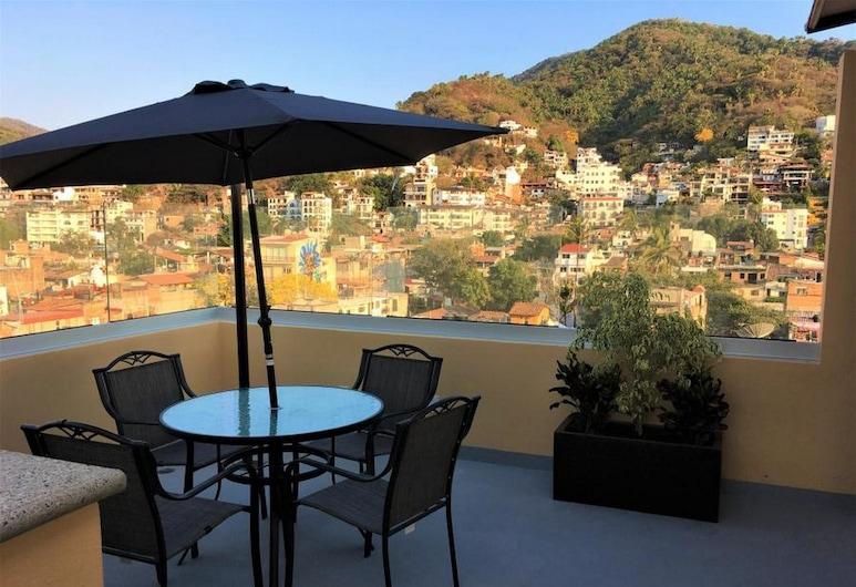 Aguacate 402, Puerto Vallarta, Comfort Condo, 1 Bedroom, Kitchen, City View, Balcony