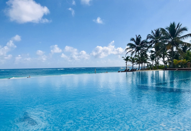 Coral House Suites, Punta Cana, Infinity Pool