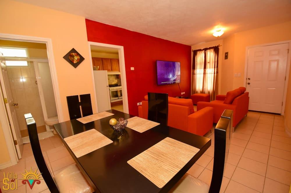 Deluxe appartement, 2 slaapkamers, op benedenverdieping - Woonkamer