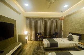 תמונה של Hotel Grand Elegance באחמדאבאד