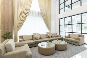 Yangon bölgesindeki 8 Mile Hotel resmi