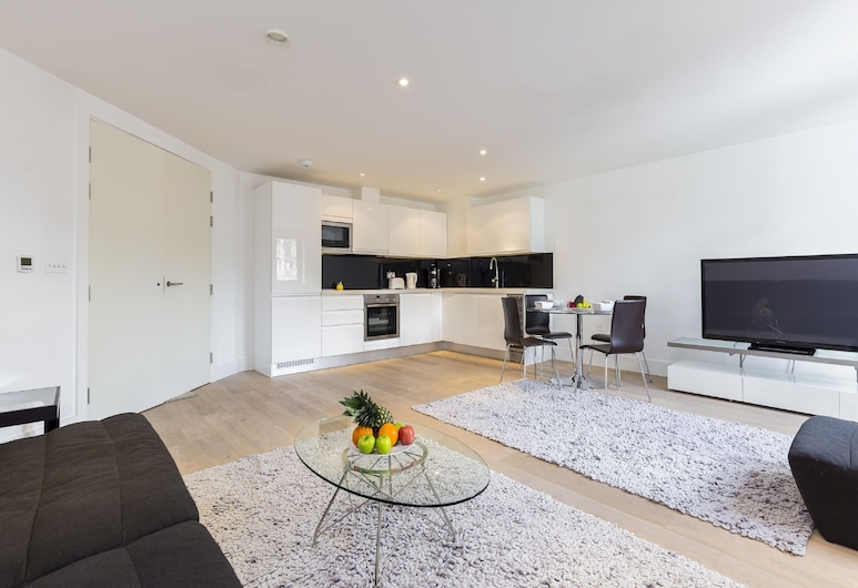 Covent Garden - The Strand Apartments, London, Apartment, 2 Bedrooms, City View ((106) Piazza 1), Living Area
