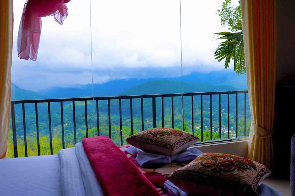 Trojlôžková izba, výhľad na hory - Vybraná fotografia