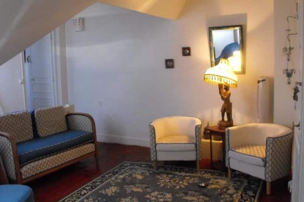 Studio Suite (Audrey) - Living Area