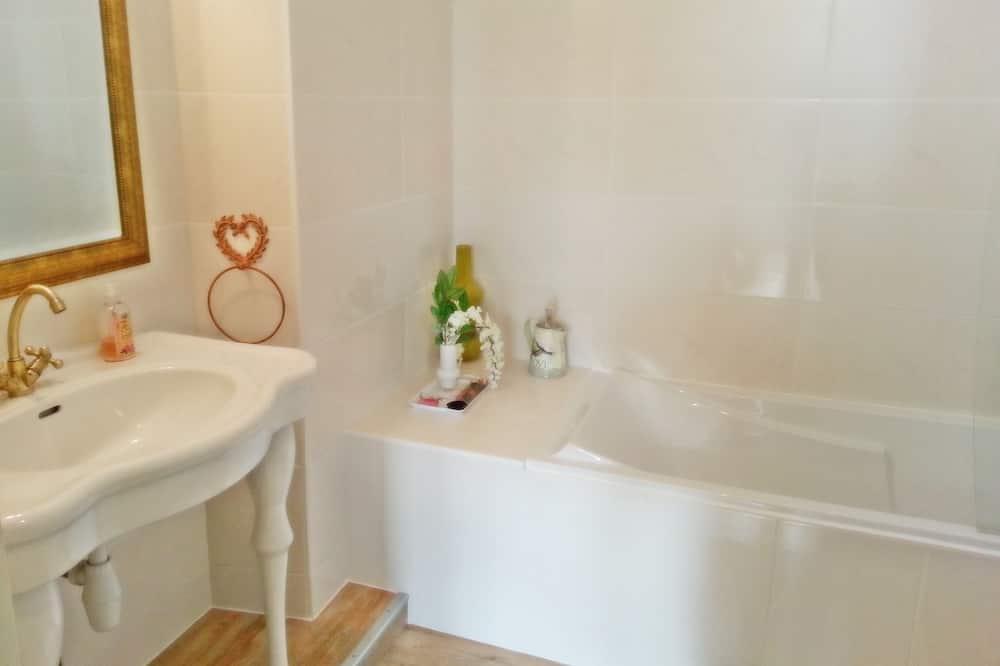 Suite, Private Bathroom, Garden View (Famille nombreuse) - Bathroom