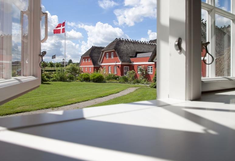 Tyrstrup Kro, Christiansfeld, Hotel Front