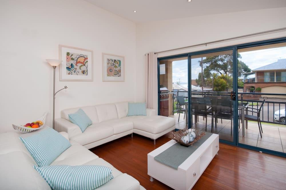 Duplex, 3 Bedrooms - Living Room