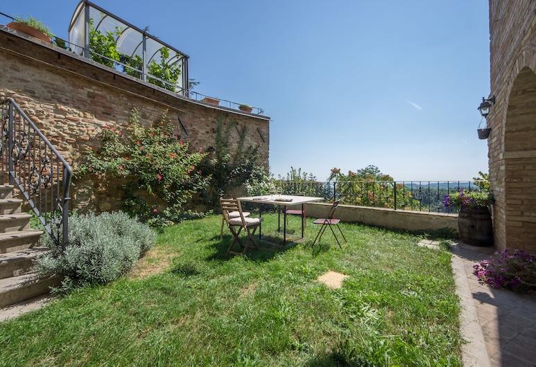 La Corte Segreta, Montepulciano, Exclusive Room, Garden View, Terrace/Patio