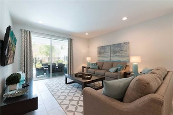 Picture of Reunion Beauty 8 Bedroom Home with Private Pool and Spa in Orlando