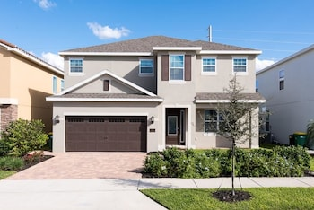 Picture of Reunion Kings Landing 6 Bedroom Home with Private Pool and Spa in Orlando