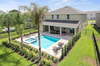 Picture of Reunion Lancaster 8 Bedroom Home with Private Pool and Spa in Orlando