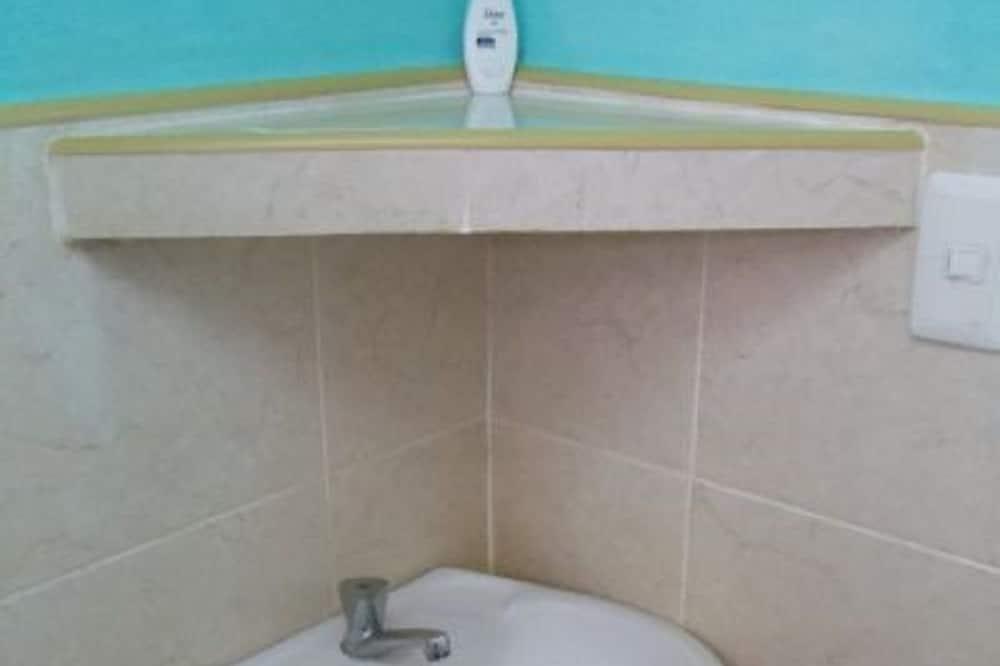 더블룸 또는 트윈룸 - 욕실