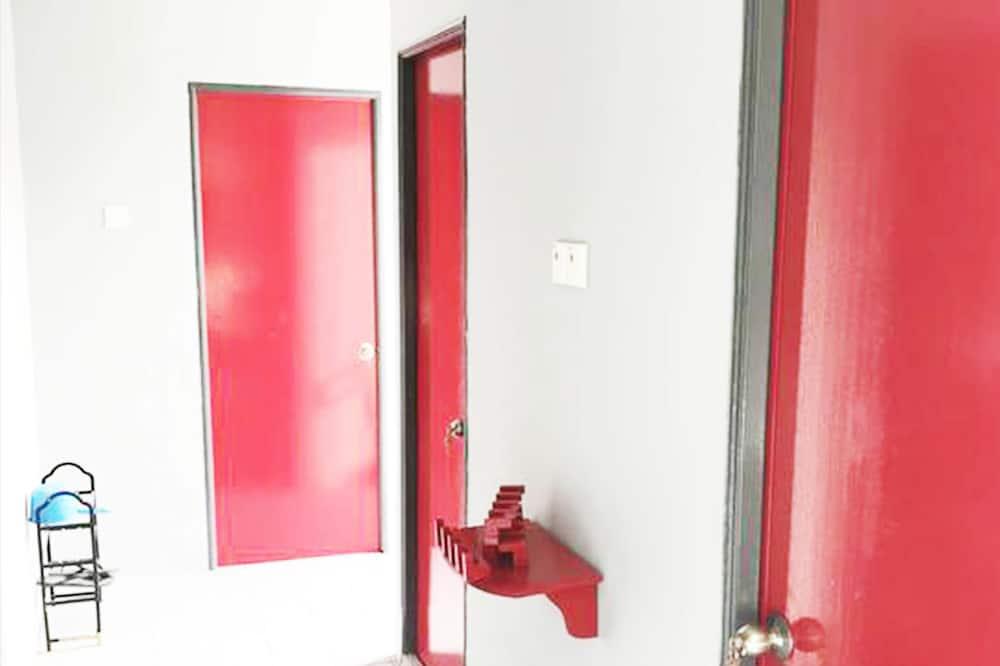 Koplietojuma guļamzāle, abu dzimumu guļamzāle (6-Bed) - Vannasistaba