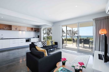 Picture of Sandbox Luxury Beach Front Apartments in Tugun