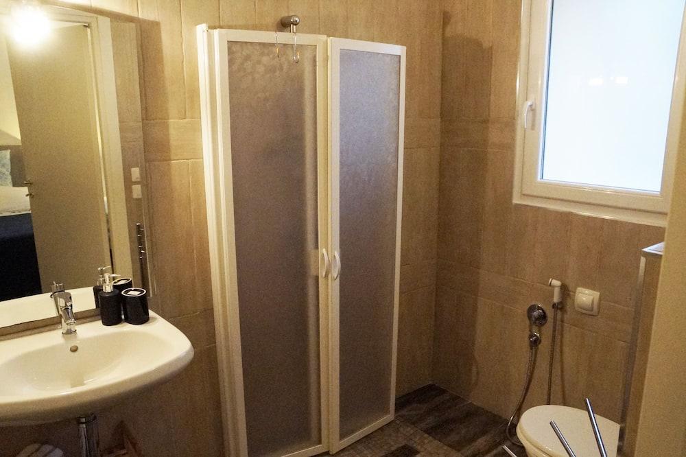 Traditional-Doppelzimmer - Badezimmer