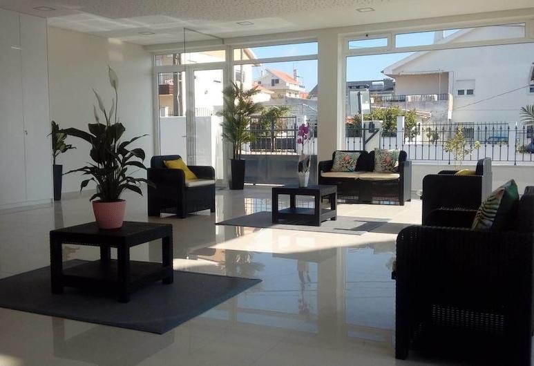 Tires Guest House, Cascais, Lobby-Lounge