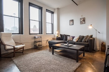 Nuotrauka: Historic 3rd Ward 1BR Loft with Parking, Milvokis
