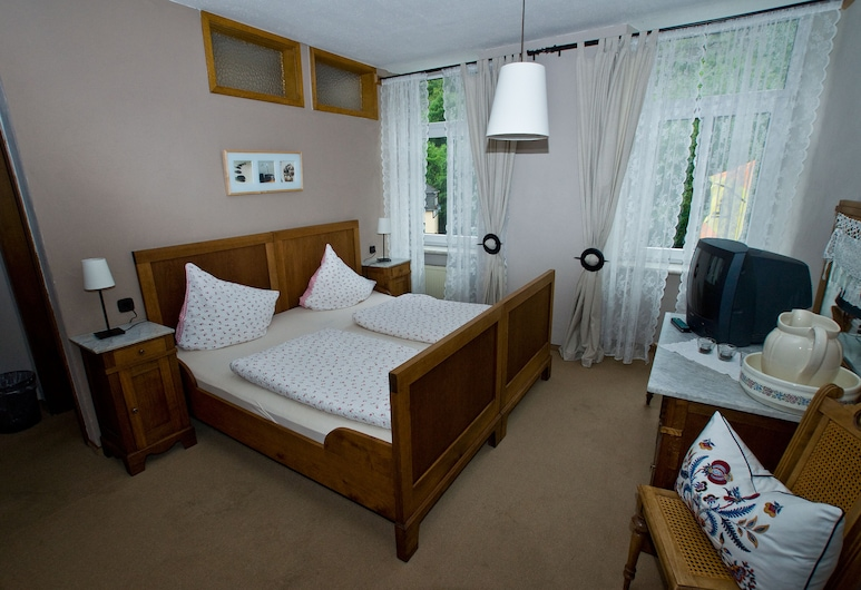 Hotel Zum Onkel Willi, Cochem, Standard Double Room, Private Bathroom (with carpet, 1st Floor), Guest Room