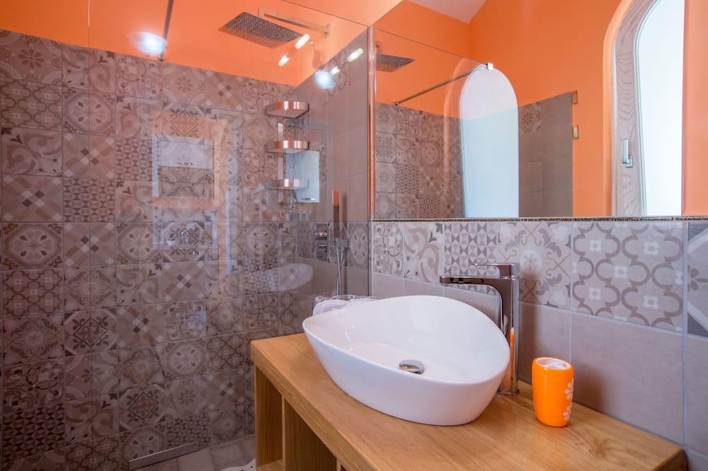 House, Garden View, Ground Floor - Bathroom